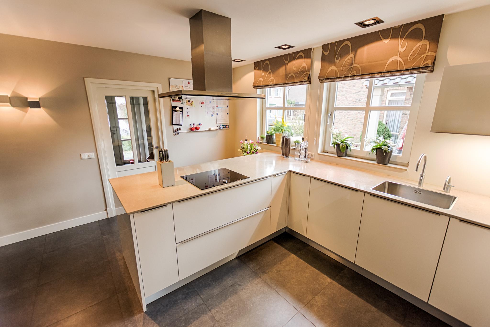 Keukens   forest keukens, ambachtelijk met oog voor design
